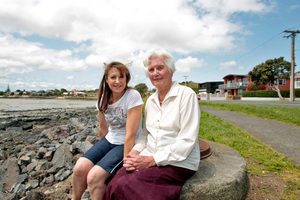 Bronwyn Jackson, left, and Toni Geux oppose development plans.  Photo / Michael Craig