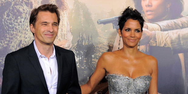 Halle Berry with her fiance Olivier Martinez. File Photo / AP