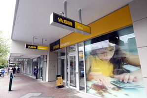 ASB offered a free Galaxy tablet and $500 cash to customers taking out a mortgage of more than $100,000. Photo / APN