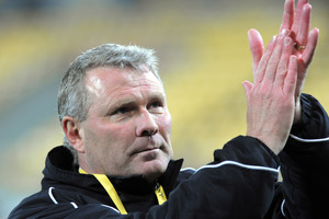 Wellington Phoenix coach Ricki Herbert will stick with team that beat Newcastle Jets 3-0 last week for tonight's match with Perth Glory at NIB Stadium. Photo / Getty Images.