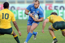 Leonardo Ghiraldini of Italy (C) runs with the ball during the international rugby test match between Italy and Australia. Photo / Getty Images.