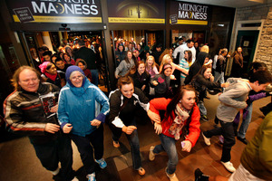 Black Friday shoppers pour into the Valley River Center mall for the Midnight Madness sale in Oregon. Photo / AP