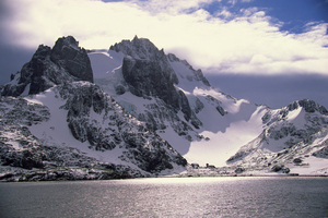 Snow covered mountain peaks in Antarctica. Photo / Thinkstock