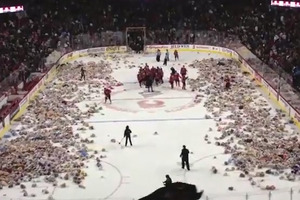 Once a year, the Calgary Hitmen of the Canadian junior hockey league are bombarded with teddy bears. Photo / Youtube.