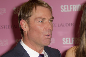 Shane Warne says he'd return to Test cricket if asked by Australian captain Michael Clarke. Photo / AP