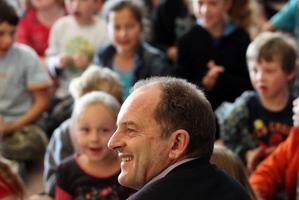 Labour party leader David Shearer, visit Nelson Park School in Napier. Photo / Paul Taylor