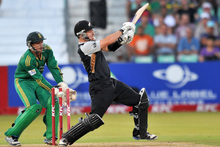 New Zealand's Nathan McCullum is bowled out during their T20 cricket match against South Africa,Photo / AP