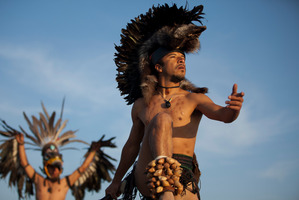 Dancers perform as the sun rises at the Teotihuacan archeological site in Teotihuacan, Mexico, Dec 21, 2012. Photo / AP