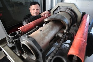 Gray Shepherd is looking for finance to build an updated prototype of his original Shepherd Engine which he says could revolutionise manufacturing in New Zealand. Photo / Richard Robinson