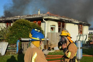Four fire crews rushed to the blaze in Currie St, Tokoroa, yesterday morning but were unable to save the house.  Photo / John Van de Ven