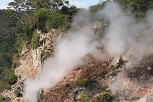 A geothermal steam vent in a rockface on the shores of Lake Rotomahana. Photo / APN