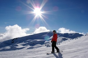 NZSki's slopes are introducing a credit system on lift passes that will let skiers pay for meals and other items without cash or Eftpos. Photo / Doug Sherring