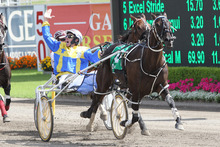 A delighted Gary Hall celebrates I'm Themightyquinn's Interdominion victory over Mah Sish.