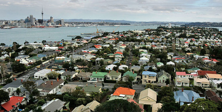 The Reserve Bank has come under increasing pressure to roll out new tools to slow down Auckland's property market. Photo / NZH