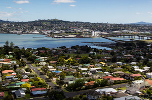 At an auction for a villa in Grey Lynn was a house in Rose Rd that sold for $2.4million. Photo / Richard Robinson