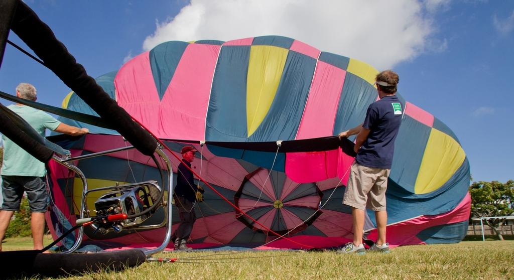 Air ballon ride at Pillans Point School in Tauranga - March 27th, 2013.