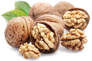 Women who eat a 28g packet of walnuts at least twice a week are 24 per cent less likely to develop type 2 diabetes.Photo / Thinkstock