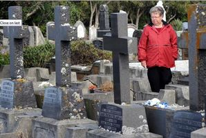 Sybil Kirkwood walks through Dunedin's Andersons Bay Cemetery, where her handbag was stolen while she tended her late husband's grave. Photo / Craig Baxter.
