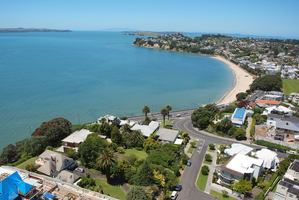 St Heliers has joined 13 other Auckland suburbs to hit the million-dollar average.