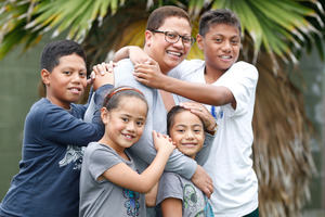 Mireta Iese-Sinclair with her children Nathaniel, 10, Ashleigh, 7, Lhara, 5 and Mejhac, 12. Photo / Chris Gorman