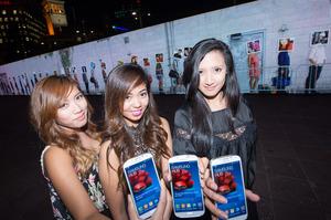 Winners of the Samsung Galaxy S4 (from left to right) Jeca Golbin, Darmain Cruz and Krisha Santos. Photo / Supplied