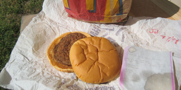 David Whipple's 14-year-old McDonald's burger looks as good as new with no mould or any apparent difference from a freshly made burger. Photo / Supplied