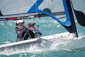 Alex Maloney and Molly Meech piloting their 49erFx in Auckland