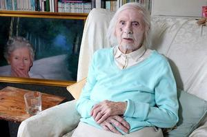 Ida Pollock is the oldest romance writer in the world.Photo / YouTube