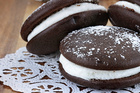 Recipe: Chocolate whoopie pies with berry compote creme
