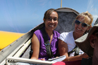 Herald journalist Yvonne Tahana (left) and New Zealand travel journalist Ruth Scott gliding over Hawaii with Honolulu Soaring. Photo / Yvonne Tahana