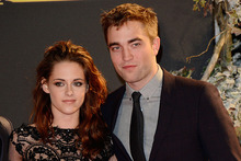 Kristen Stewart and Robert Pattinson. Photo/AP