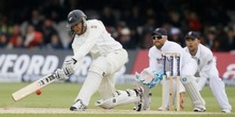 http://media.nzherald.co.nz/webcontent/image/jpg/201320/BritainCricketEngla_Gree_220x147_460x230.jpg
