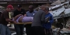 Watch:  Raw: Rescuers pull Tornado survivors to safety 