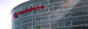 Vodafone keeps losing mobile customers