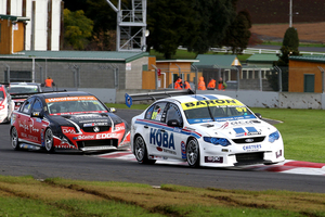 Shane van Gisbergen leads Greg Murphy at Pukekohe. Photo / Neville Bailey