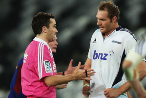 Blues captain Ali Williams argues with referee Jonathon White during the team's 38-28 loss to the Highlanders. Picture / Getty Images