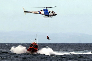 Weather conditions made the prospect of a helicopter rescue too difficult. File photo / APN
