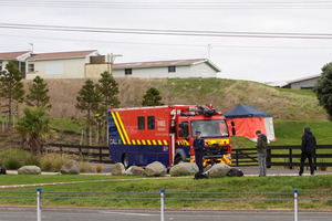 Police at the scene of a shooting at the New Plymouth Golf Club. Photo / Rob Tucker