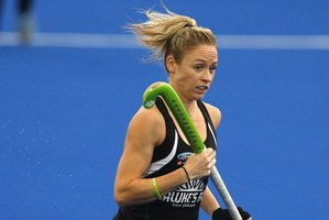 Hockey centre Anita Punt in action. Photo / File