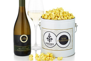A New York popcorn-making company has teamed up with Kiwi winemakers Kim Crawford to create wine-flavoured popcorn.