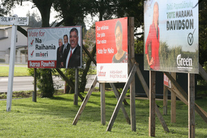 Candidates in the Ikaroa-Rawhiti byelection reach out to voters in Masterton.