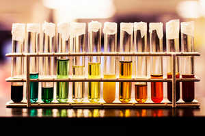 Heather West capture a urine rainbow in a hospital lab. Photo / Heather West