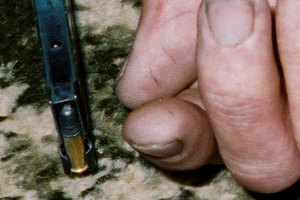 The marks could be seen on Robin Bain's thumb in this evidence photo taken after the killings.
