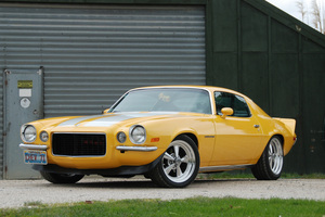 Todd McDonald's 1971 Chevrolet Camaro Rally Sport in all its Lamborghini yellow glory. Pictures/Jacqui Madelin
