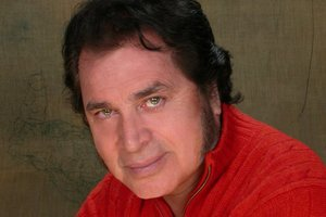 Nostalgia reigned supreme when 77-year-old Engelbert Humperdinck entertained more than 2000 people at Vector Arena.