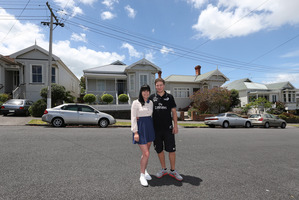 Georgia Wilkinson and Dylan Ewing have frequently been outbid by investors as they try to buy a house in Auckland's Glen Eden.  Photo / Getty Images