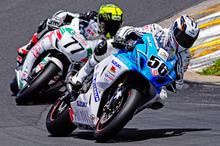 Craig Shirriffs - shown holding a narrow lead over James Smith - is looking forward to racing at Teretonga.  Photo / Andy McGechan