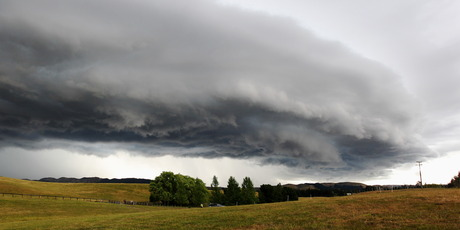 Storm clouds in Central Hawke's Bay. The lower North Island is being told to prepare for severe thunderstorms. Photo / Glenn Taylor