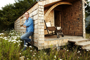 Kevin McCloud builds a cottage in TV One's  Man Made Home . Photo . TVNZ
