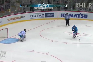 Jori Lehtera scores during the Russian Kontinental Hockey League All-Star game. Photo / YouTube